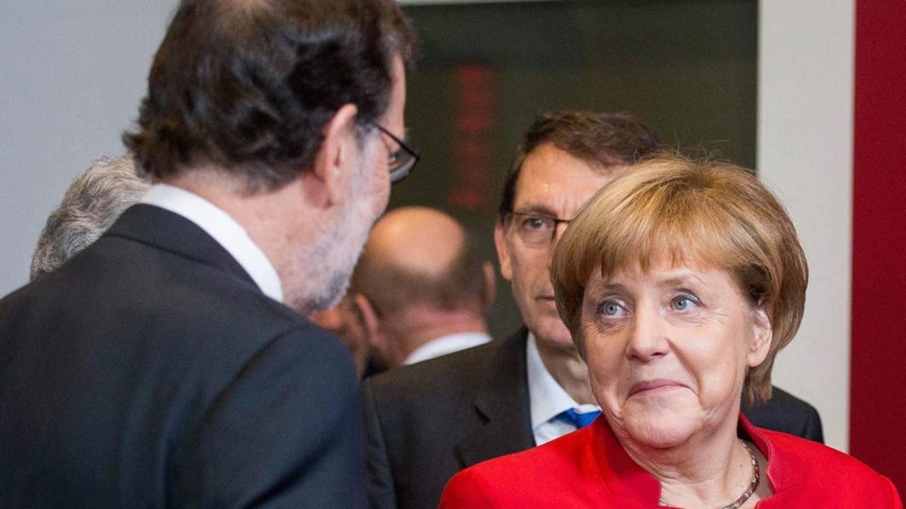 El presidente del Gobierno en funciones, Mariano Rajoy, y la canciller alemana, Angela Merkel