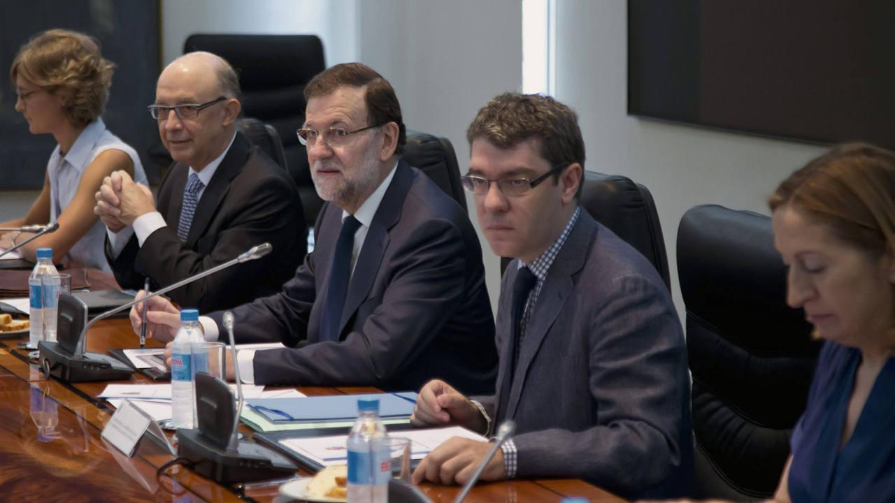El presidente del Gobierno Mariano Rajoy preside la Comisión de Asuntos Económicos