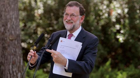Ir al VideoEl presidente del gobierno pide a los españoles sumar y no dividir para conseguir un país mejor