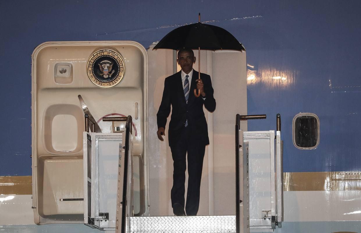 El presidente de EE.UU., Barack Obama, aterriza en Laos