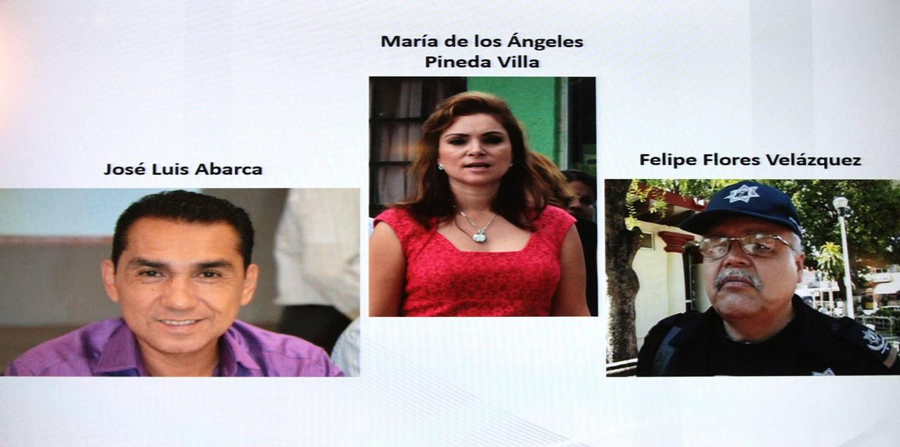 El presidente municipal de Iguala, José Luis Abarca (i), su esposa María de los Ángeles Pineda Villa (c), y al secretario de seguridad Felipe Flores Velázquez