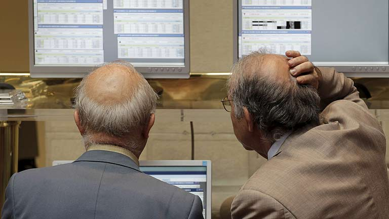 La presión sobre la deuda española se eleva hasta casi el 6% y la Bolsa cierra plana