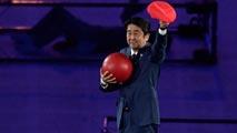 El primer ministro de Japón llega a Río con la ayuda de Súper Mario