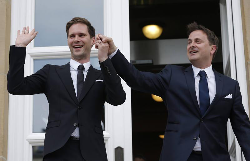 El primer ministro de Luxemburgo y su marido, Xavier Bettel, tras contraer matrimonio.