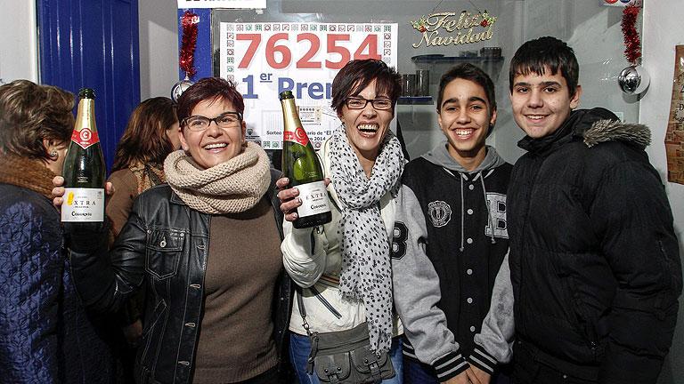 El primer premio de la Lotería del Niño se va íntegro a Monforte de Lemos, Lugo