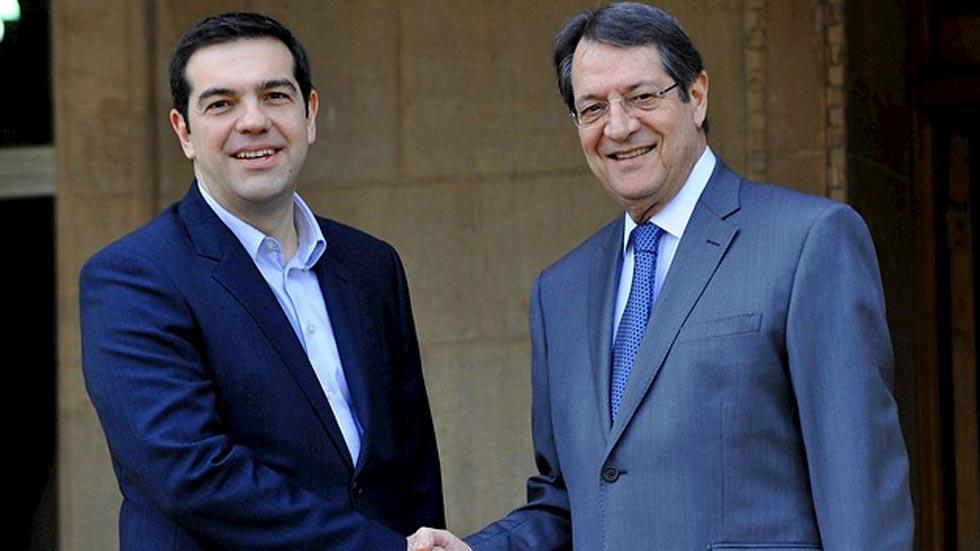 El primer ministro griego visita Chipre donde ha insistido en que la troika debe desaparecer