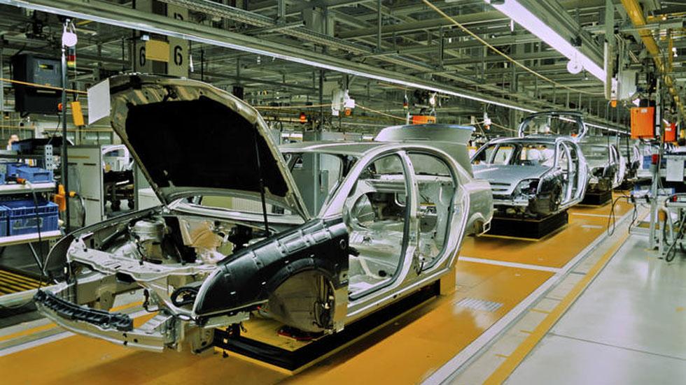 La producción de vehículos en España cierra 2014 con 2,4 millones de coches, mejor dato en 5 años
