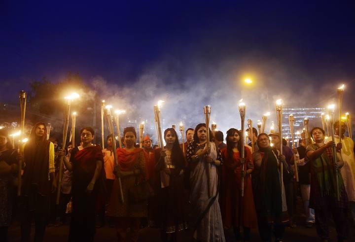 Protesta en Dacca por el asesinato de un autor ateo