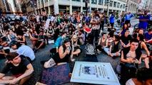 Ir al VideoLas protestas en EE.UU. por la violencia policial contra los negros no cesan
