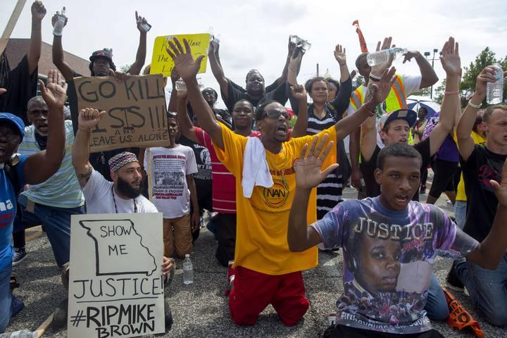 Protestas en Ferguson por la muerte del joven Michael Brown