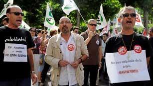 Los funcionarios llevan de nuevo a la calle su protesta contra los recortes