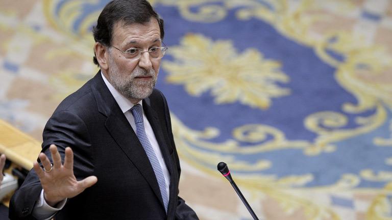 """El PSOE acusa al Rajoy de gastar en un banco los recortes y Rajoy dice que ellos """"inyectaron dinero público"""""""