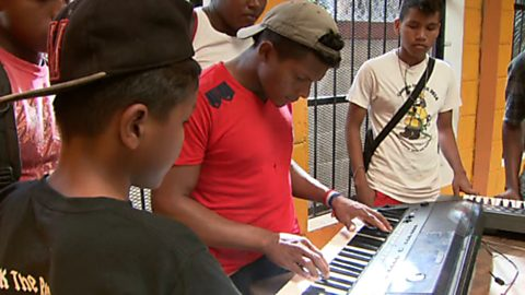 Ir al VideoPueblo de Dios - Honduras, caminos de misión