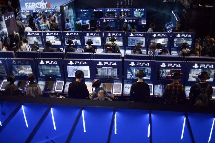 Puestos de Playstation 4 en la semana del videojuego en París, el pasado mes de octubre.