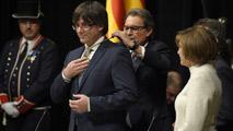 """Ir al VideoPuigdemont promete fidelidad al """"pueblo de Cataluña"""" y pasa por alto la Constitución"""