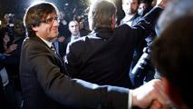 Ir al VideoPuigdemont renuncia a la alcaldía de Girona y contesta a Rajoy
