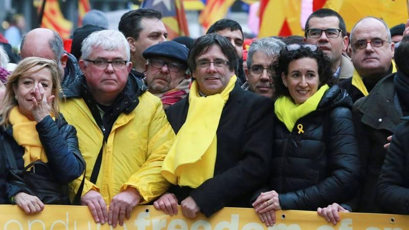 Puigdemont y Rovira encabezan la manifestación independentista de Bruselas.