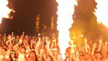 Ir al VideoQuinta edición del Arona Summer Festival en Tenerife para los amantes de la música electrónica