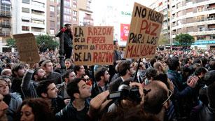 La quinta jornada de protestas en Valencia lleva en marcha cinco horas