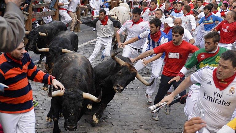 Rápido y limpio quinto encierro de sanfermines 2014 con toros de Jandilla