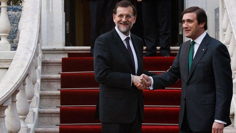 Rajoy asegura en su visita a Portugal que España cumplirá el objetivo del déficit
