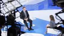 """Ir al VideoRajoy asegura que ve """"muy bien"""" el futuro de RTVE y que se siente """"orgulloso"""" de ella"""