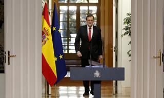 """Rajoy despide """"el año de la incertidumbre"""" y promete estabilidad hasta que pueda aprobar los Presupuestos"""