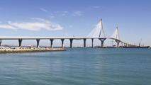 Ir al VideoRajoy inaugura el puente Constitución 1812 de Cádiz