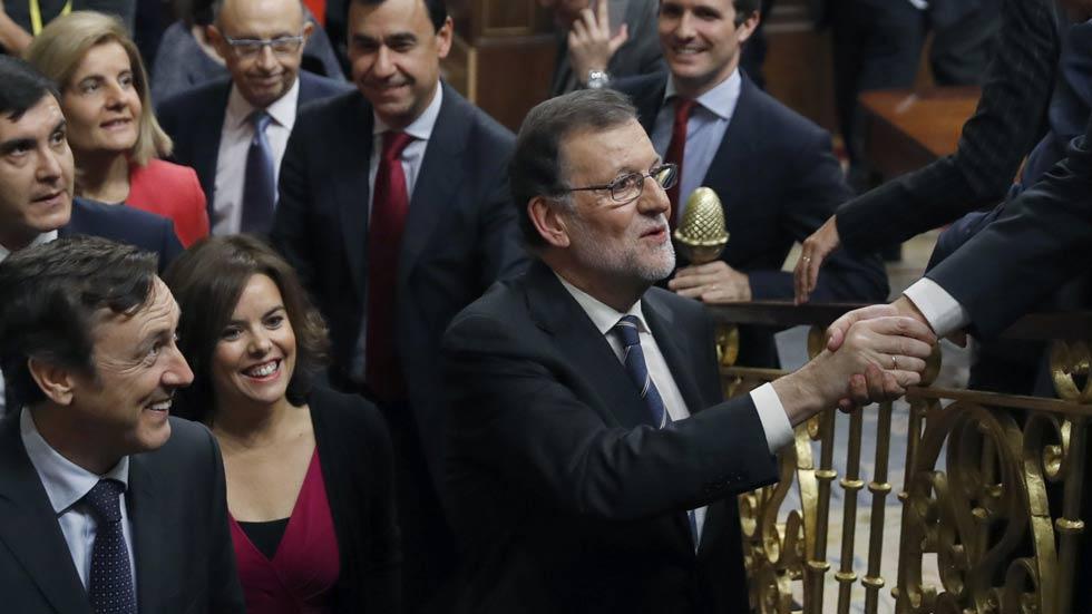 """Rajoy ofrece """"diálogo"""" para un Gobierno basado en el """"acuerdo"""" y dice que la suya es la """"única alternativa razonable"""""""