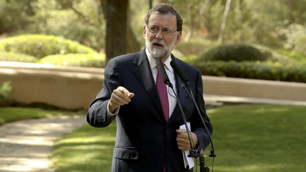 """Rajoy pide """"no hacer política"""" con el problema de El Prat y pide a la Generalitat que ejerza sus competencias"""