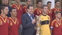 Ir al VideoRajoy recibe a los campeones de Europa sub-21