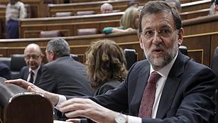 """Ver vídeo  'Rajoy a Rubalcaba: """"Ve bien la reforma laboral sin acuerdo si la hacen ustedes y mal si la hago yo""""'"""