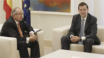 Ir al VideoRajoy se reúne con empresarios catalanes favorables a la consulta sin abordar la cuestión