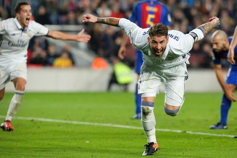 Ramos salva al Madrid en el Camp Nou