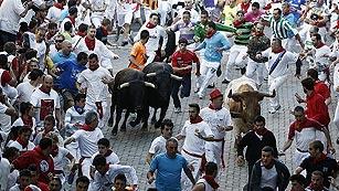 Rápido segundo encierro de los Dolores Aguirre de San Fermín 2013