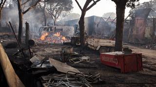 Reabiertas las principales carreteras afectadas de Matalascañas por el incendio de Moguer