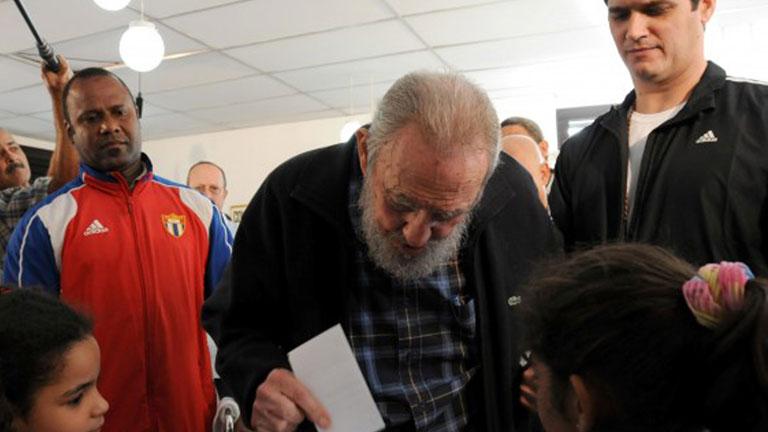 Fidel Castro reaparece en la Habana por primera vez desde 2006