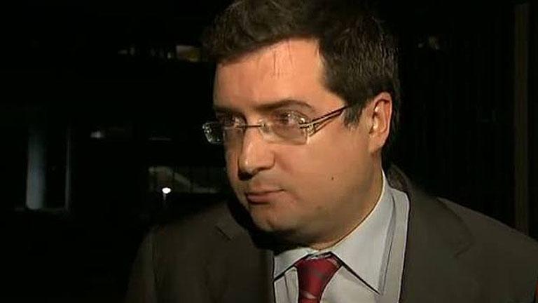 De Guindos explica al PSOE la segunda fase de la reforma financiera