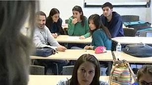 El País Vasco mantiene las tasas universitarias y Cataluña condiciona el aumento a más becas