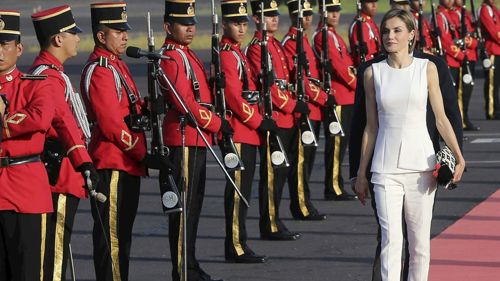 La reina Letizia visita El Salvador, última escala de su primer viaje de cooperación