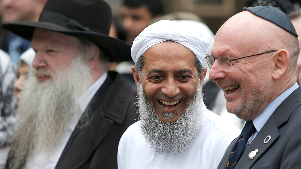Reino Unido endurecerá la ley antiterrorista e inculcará los valores británicos entre los inmigrantes