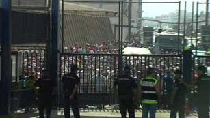 Activistas marroquíes bloquean los pasos fronterizos de Ceuta y Melilla para reivindicar estas ciudades