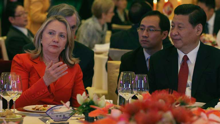 Hillary Clinton visita Pekín para estrechar su cooperación