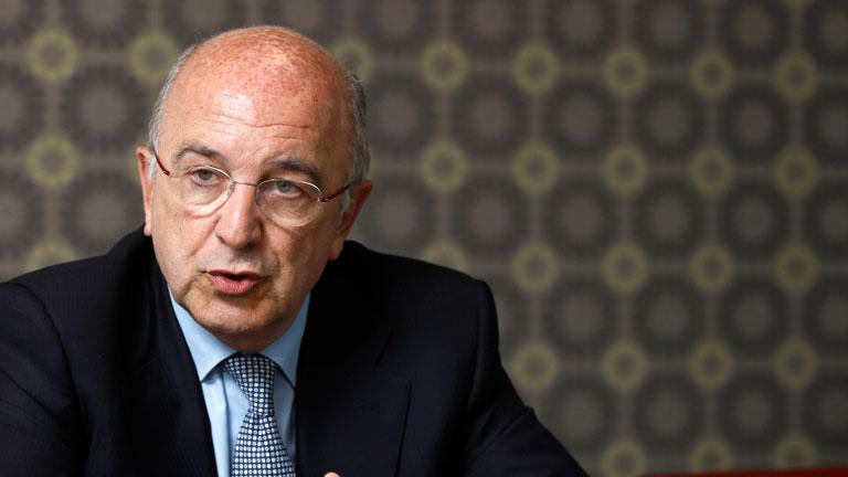 Joaquín Almunia plantea la necesidad de cerrar los bancos que no sean viables