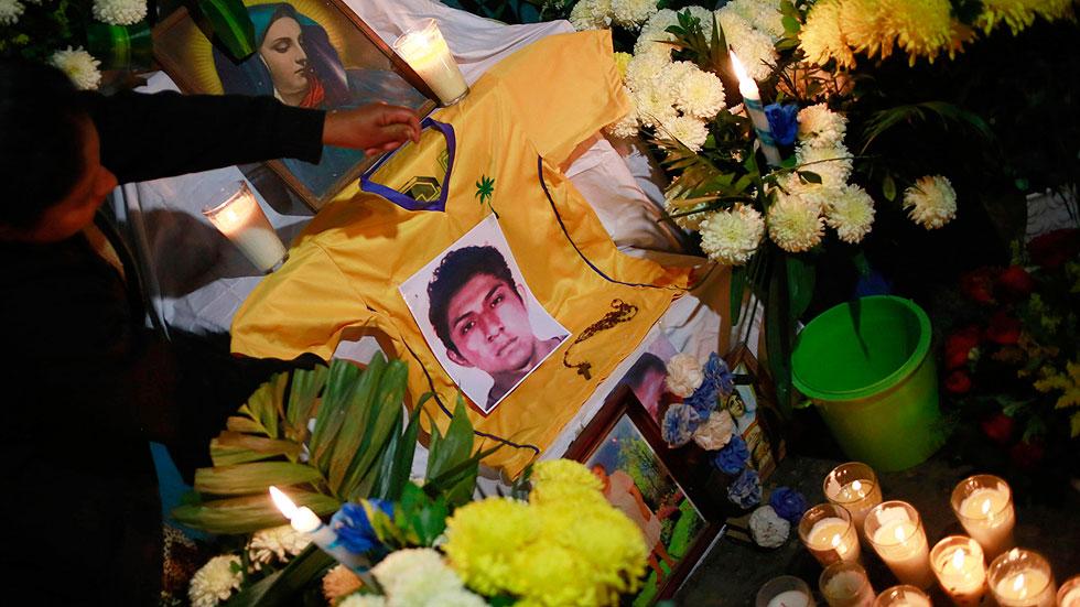 Restos óseos analizados coinciden con el ADN de uno de los estudiantes de México