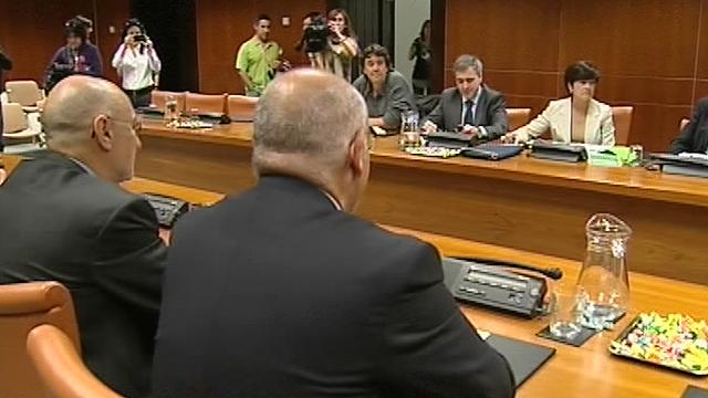 El PNV se reúne con PP y PSE para buscar acuerdos postelectorales