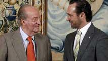 Ir al VideoEl rey está ya en Palma de Mallorca y ha recibido a las autoridades de la isla