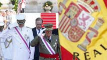 Ir al VideoRey y príncipe recibidos entre vítores y aplausos en el desfile de las Fuerzas Armadas
