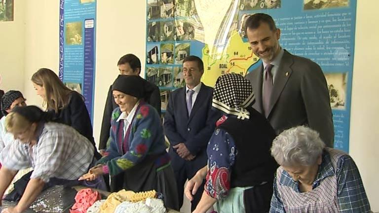"""Los Reyes entregan el """"Premio al Pueblo Ejemplar"""" a Boal"""