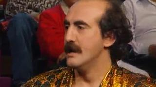 Ver vídeo  'No te rías que es peor - Para qué sirve una botella de champán (1991)'